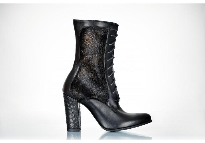 Boots Black Pony