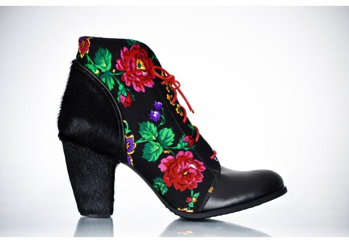 Boots Batic